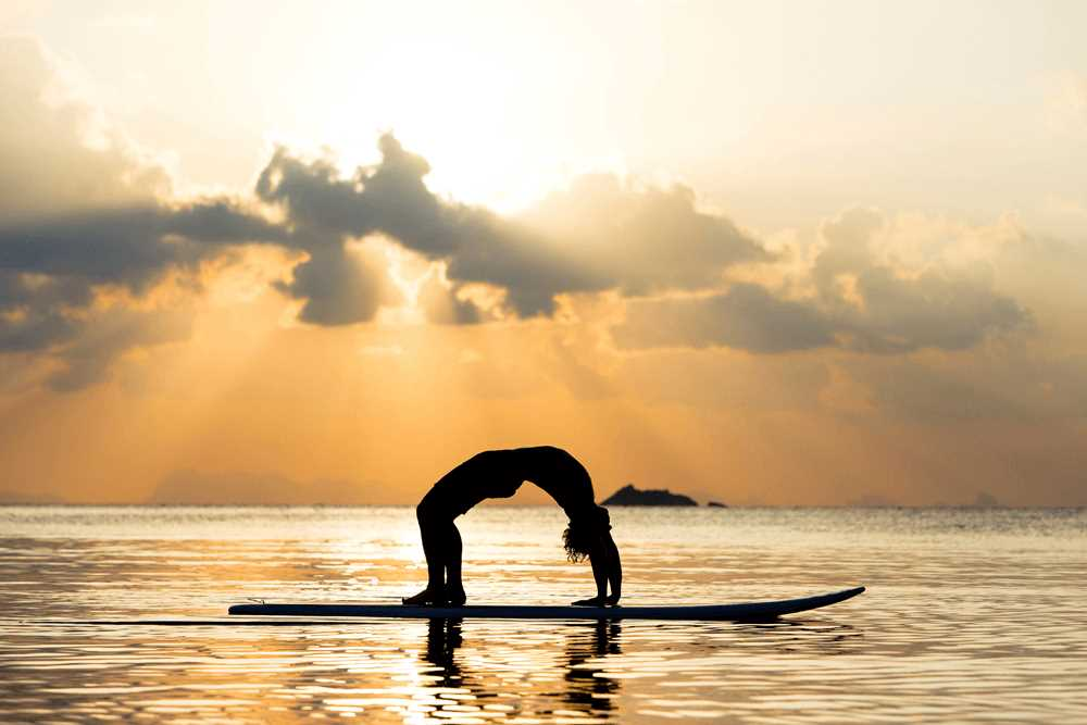 1265461 Thailand man doing yoga